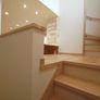 注文住宅・福岡市城南区・広い踊り場(中二階)のある階段