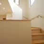 開放的な階段。広い踊り場付き。福岡市城南区